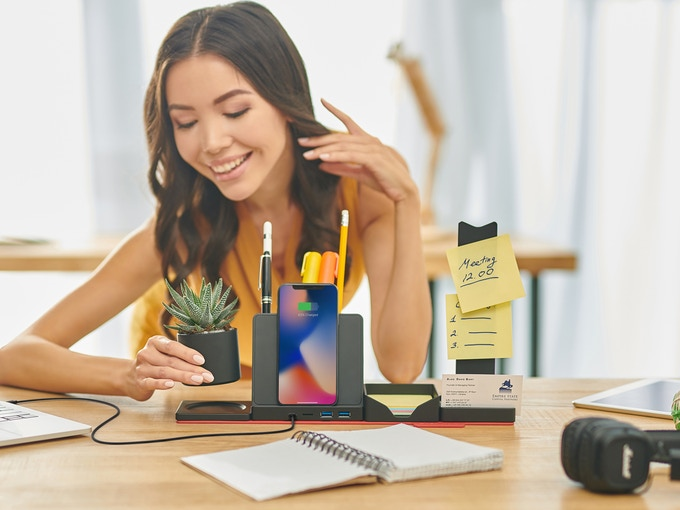 GearDiary 7 Wireless Chargers for Workspace Functionality