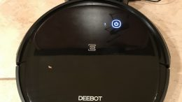 Ecovacs Deebot 500 Is a Great Robot Vacuum That's Easy on the Wallet