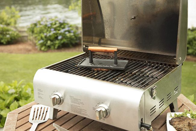 Cuisinart's Cast Iron Press Reduces Splatter & Adds Grilled Marks to Your Meats