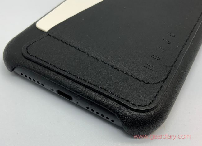 Mujjo Full Leather Wallet Case for iPhone 11 Lets You Travel Light