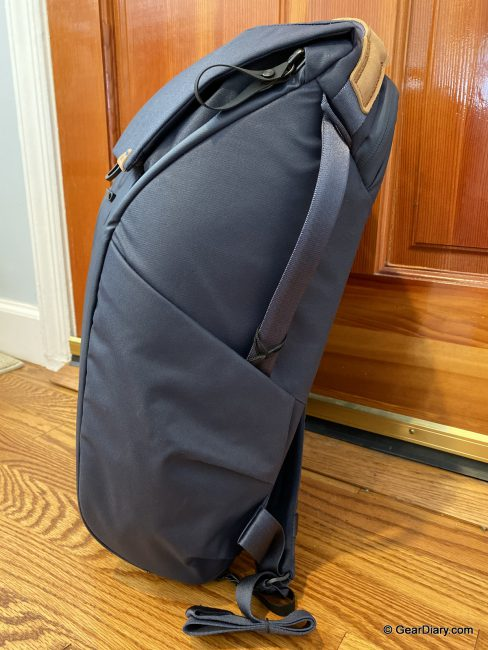 Peak Design's Everyday Backpack V2 Is a Fantastic Update to an Already Perfect Bag