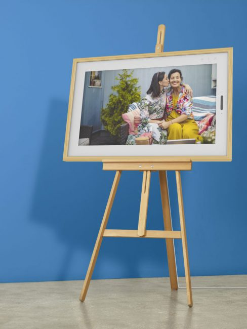 "The 21.5"" Lenovo Smart Frame Will Be Pre-Selling on Indiegogo; Here's How You Can Get 50% Off"