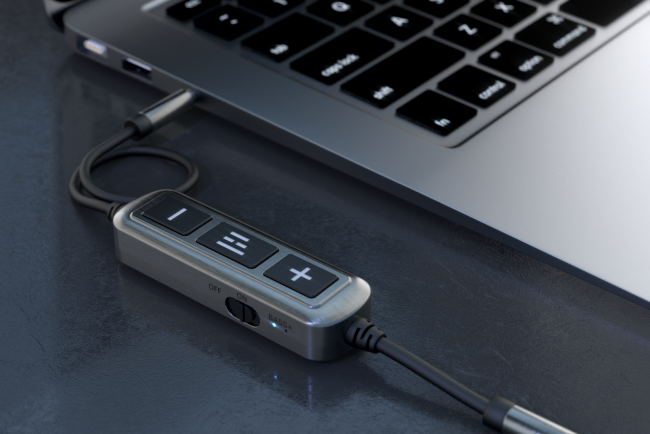 The Helm Audio DB12 AAAMP Mobile Headphone Amplifier Truly Brings the Bass
