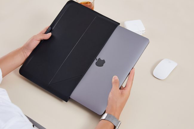 The Moft Carry Sleeve Is a Versatile Case and Lap Desk for Every Situation