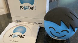 Jogoball Is a Fun, Screen-Free Toy That Gets the Whole Family Moving