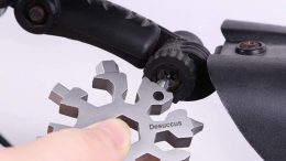 The Desuccus 18-in-1 Snowflake Multi-Tool Is Handy for EveryDay Carry